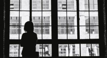 Поможет ли шопинг от послеродовой депрессии